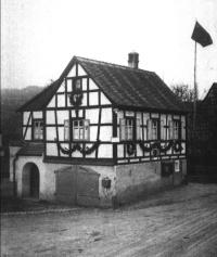 das Feuerlöschrequisitenhaus mit Krankenstube aus dem Jahre 1879 (Aufnahme 1935/36)